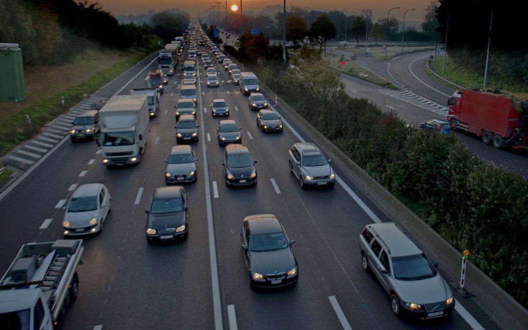 Helft van de Belgen ziet geen graten in zwarte doos in de auto